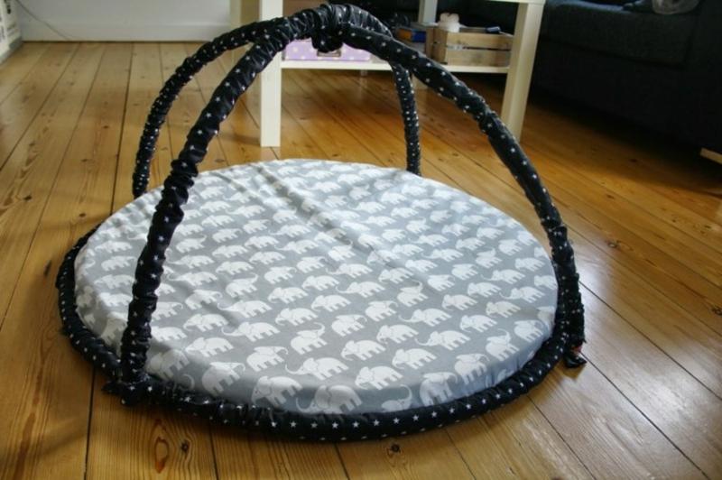 kuschelweiche Decke mit Watte gefüllt Spielbogen Draht