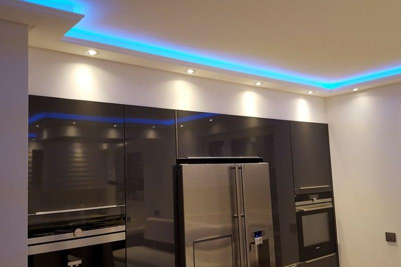blaue LED Leuchten Decke cooler Look