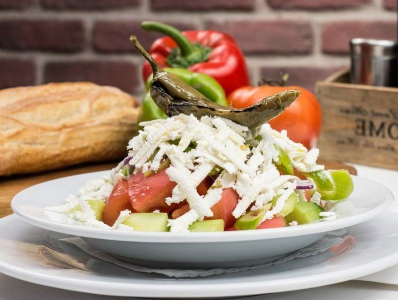Schopska Salat das Originalrezept