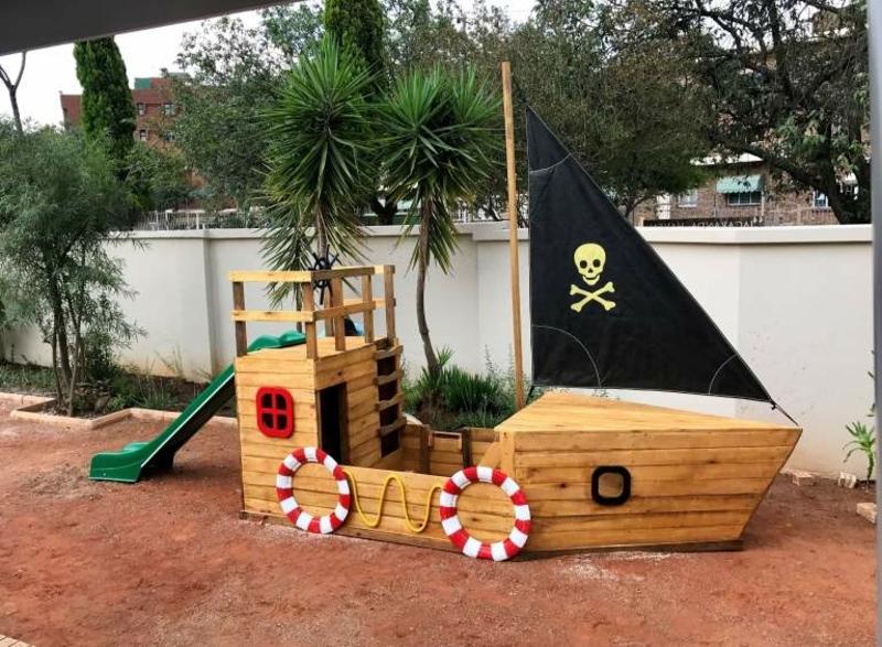 Spielplatz für Kinder Piratenschiff