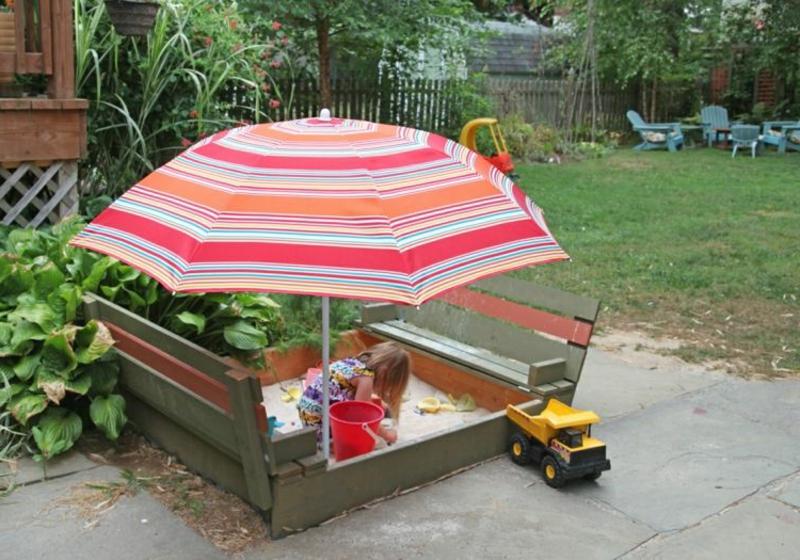 Sandkasten selber bauen Holz Sonnenschirm