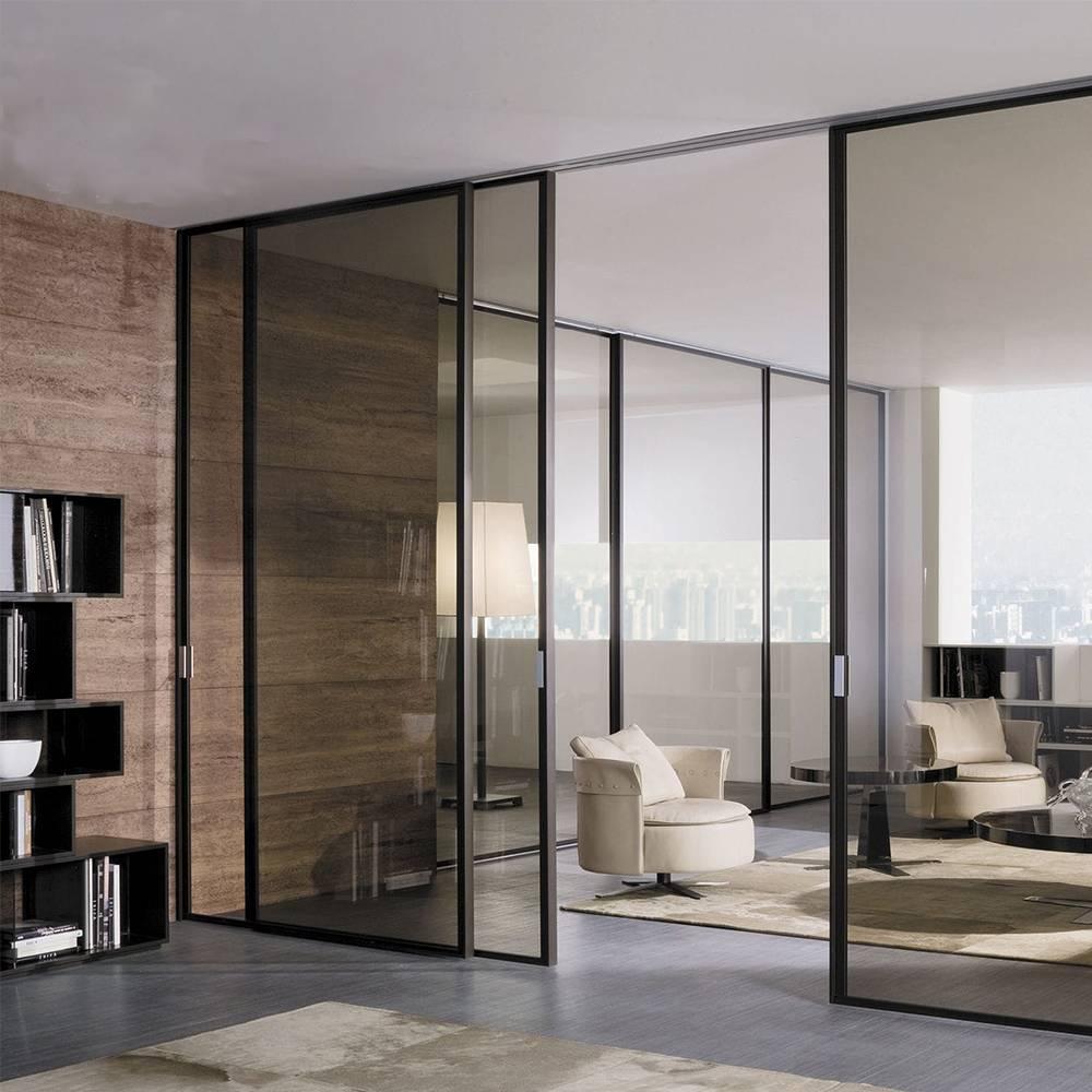 Elegante Schiebetüren mit schwarzen Rahmen verleihen ein Luxus Gefühl