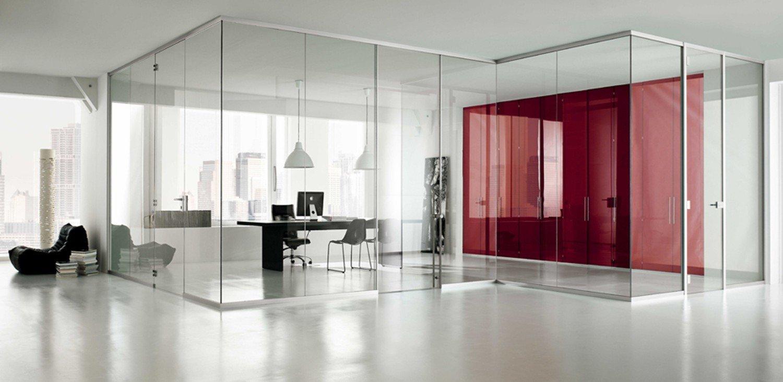 Teilen Sie Ihr Office mit Schiebetüren aus Glas!