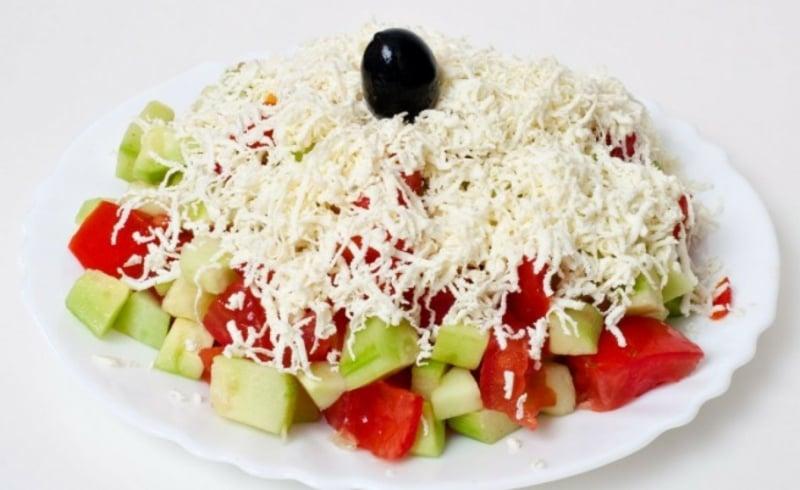 bulgarischer Salat machen Rezept
