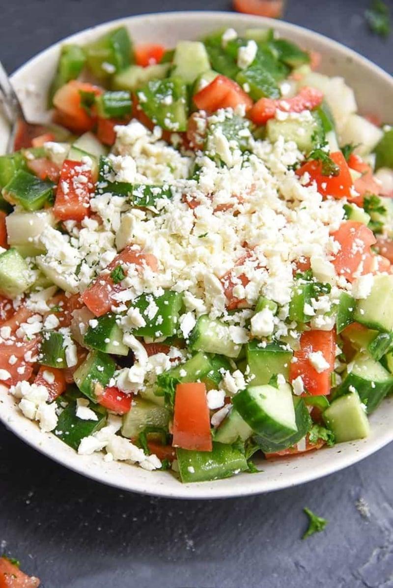 Schopska Salat mit Schafskäse