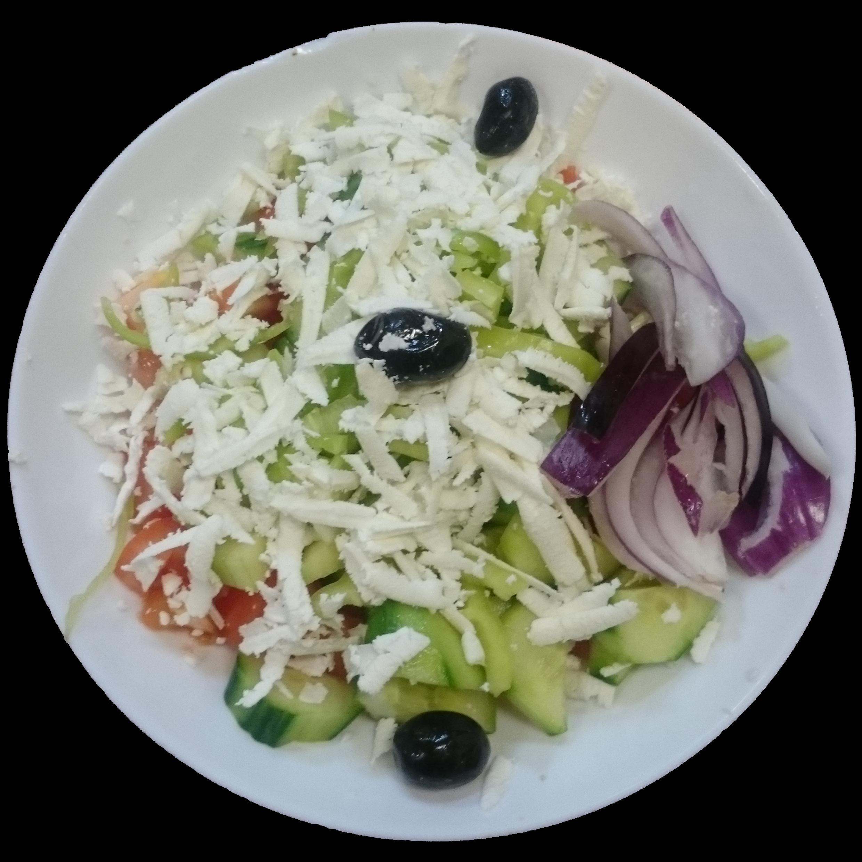 Schopska Salat mit roten Zwiebeln