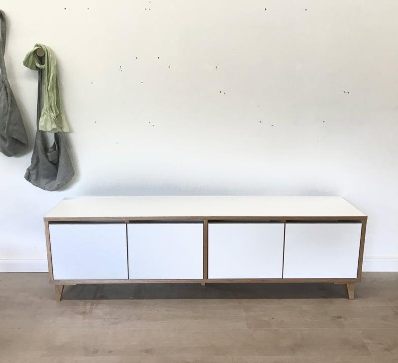 Bank für Schuhe minimalistisch