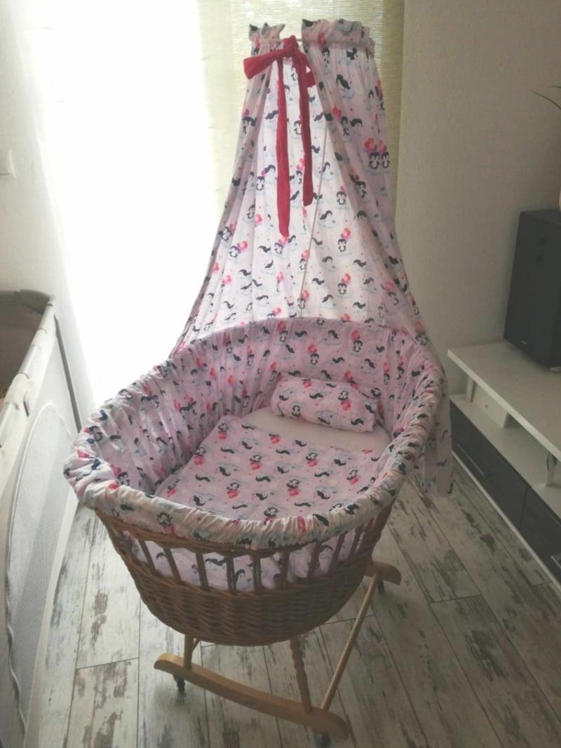 Stubenwagen in Rosa für Mädchen