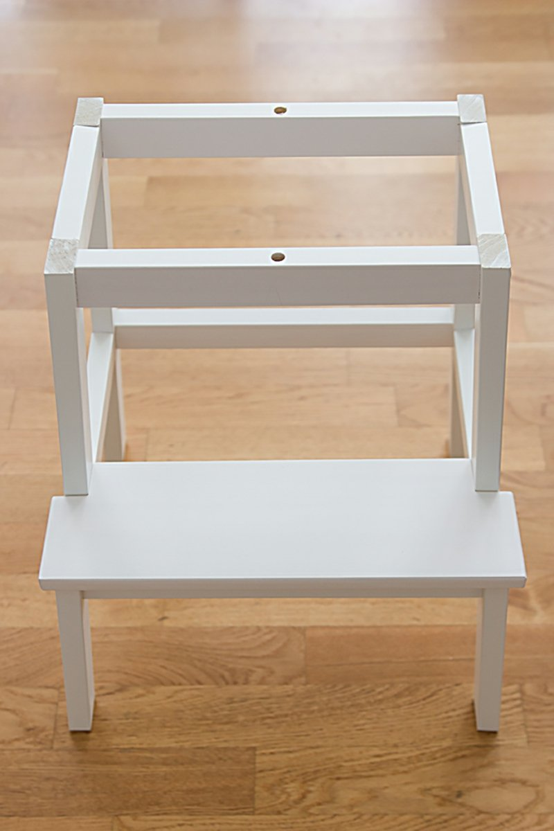 Tritthocker von IKEA aufbauen