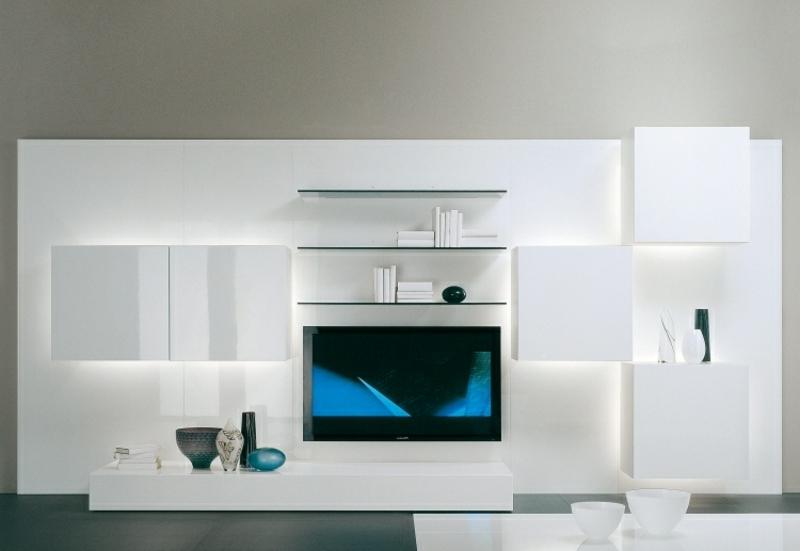 Schrankwand in Weiß minimalistisch