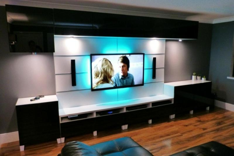 Wohnwand modern Hochglanz LED-Leuchten