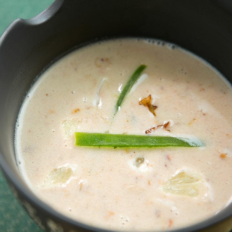 Suppe mit Kokosmilch und Zitronengras