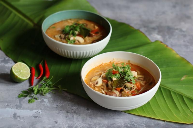 leckere Suppe mit Pilzen asiatische Küche