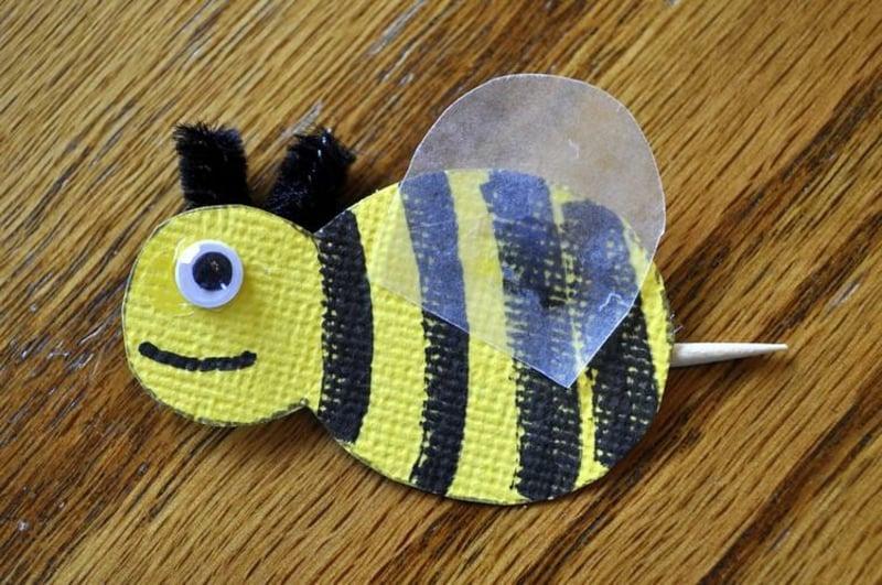 niedliche Biene aus Tonpapier