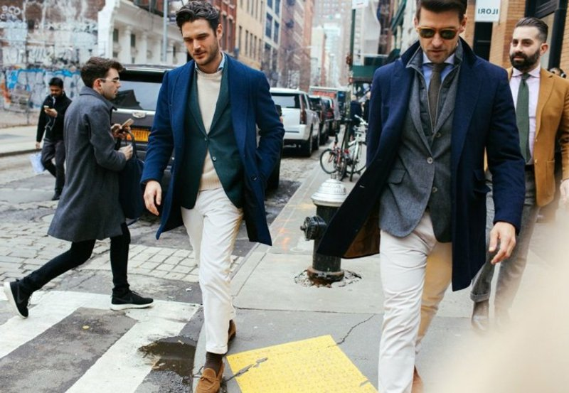 Blazer mit Chinos tragen modern