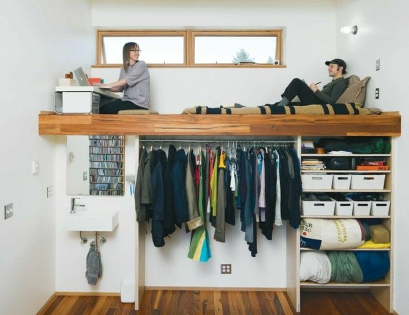Etagenbett mit Kleiderschrank für zwei Personen