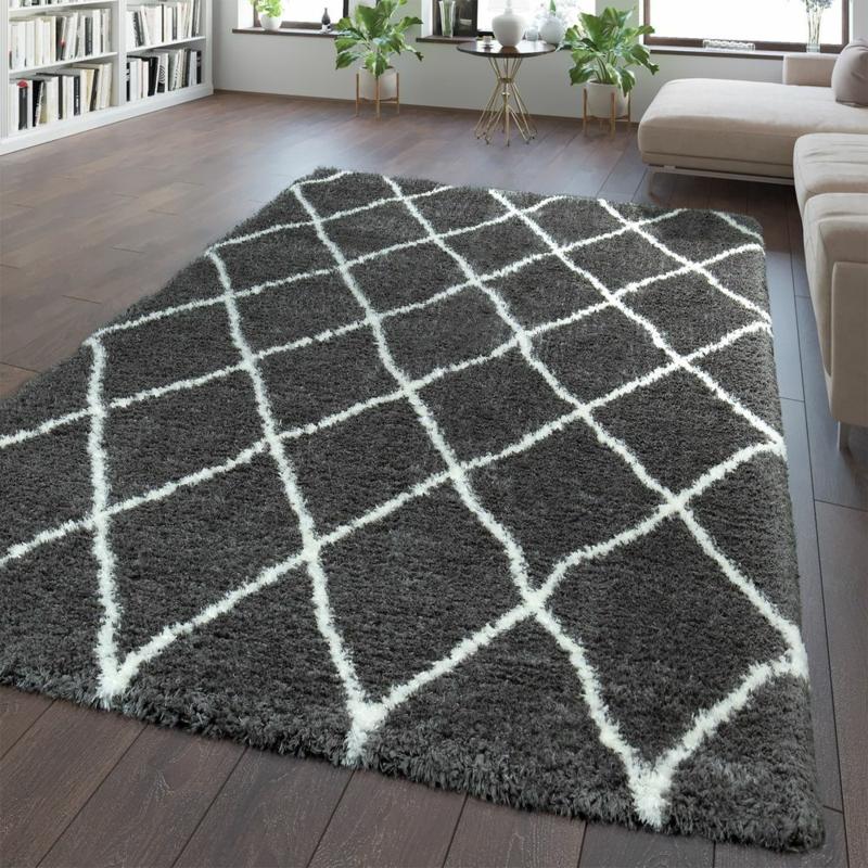 flauschiger Teppich grau Muster geometrisch
