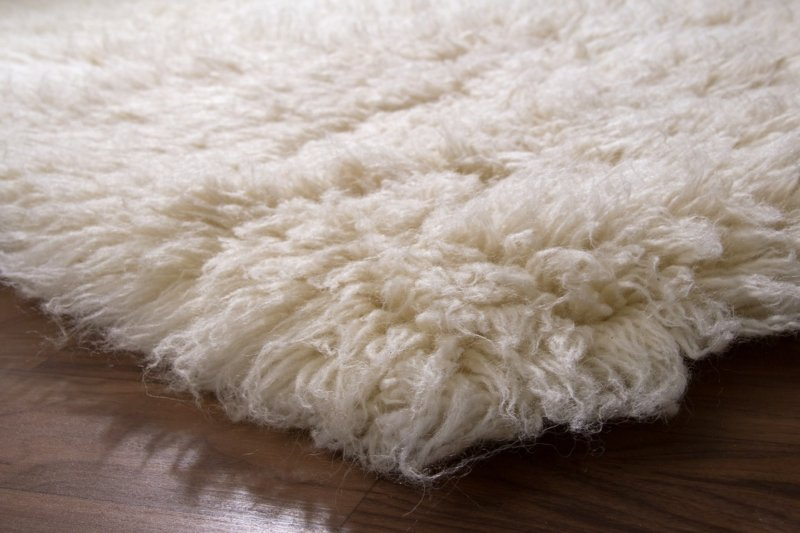 Flokati Teppich Flecken entfernen