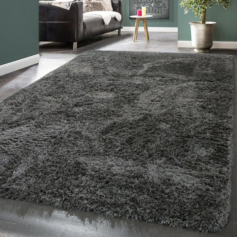 Flokati Teppich waschen und reinigen