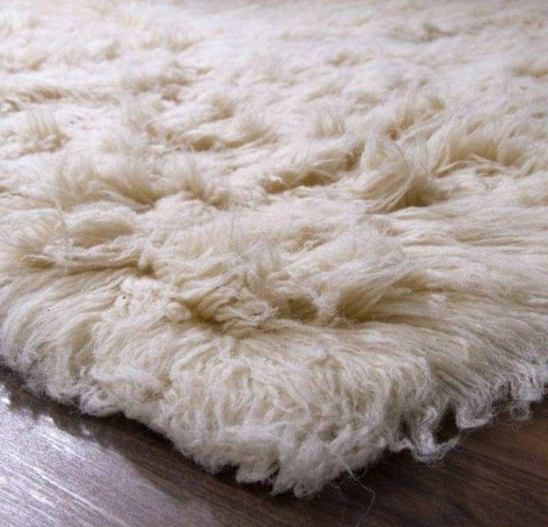 flauschiger Teppich richtig pflegen