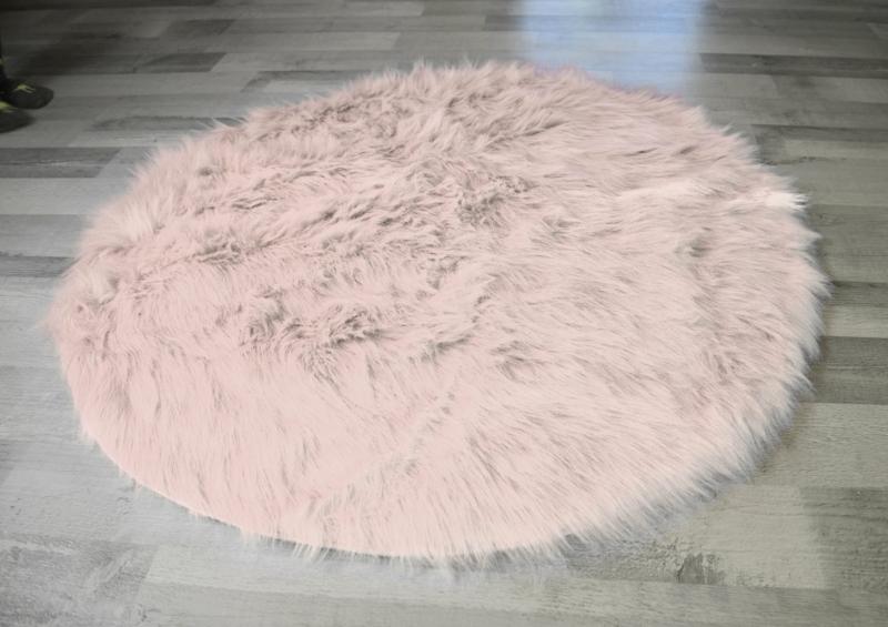 kleiner Teppich rund dekorativ