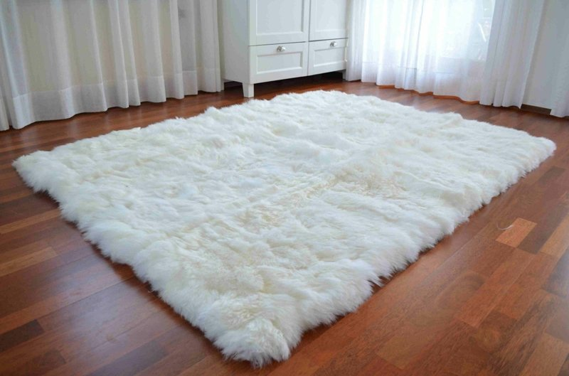 Flokati Teppich pflegen und reinigen