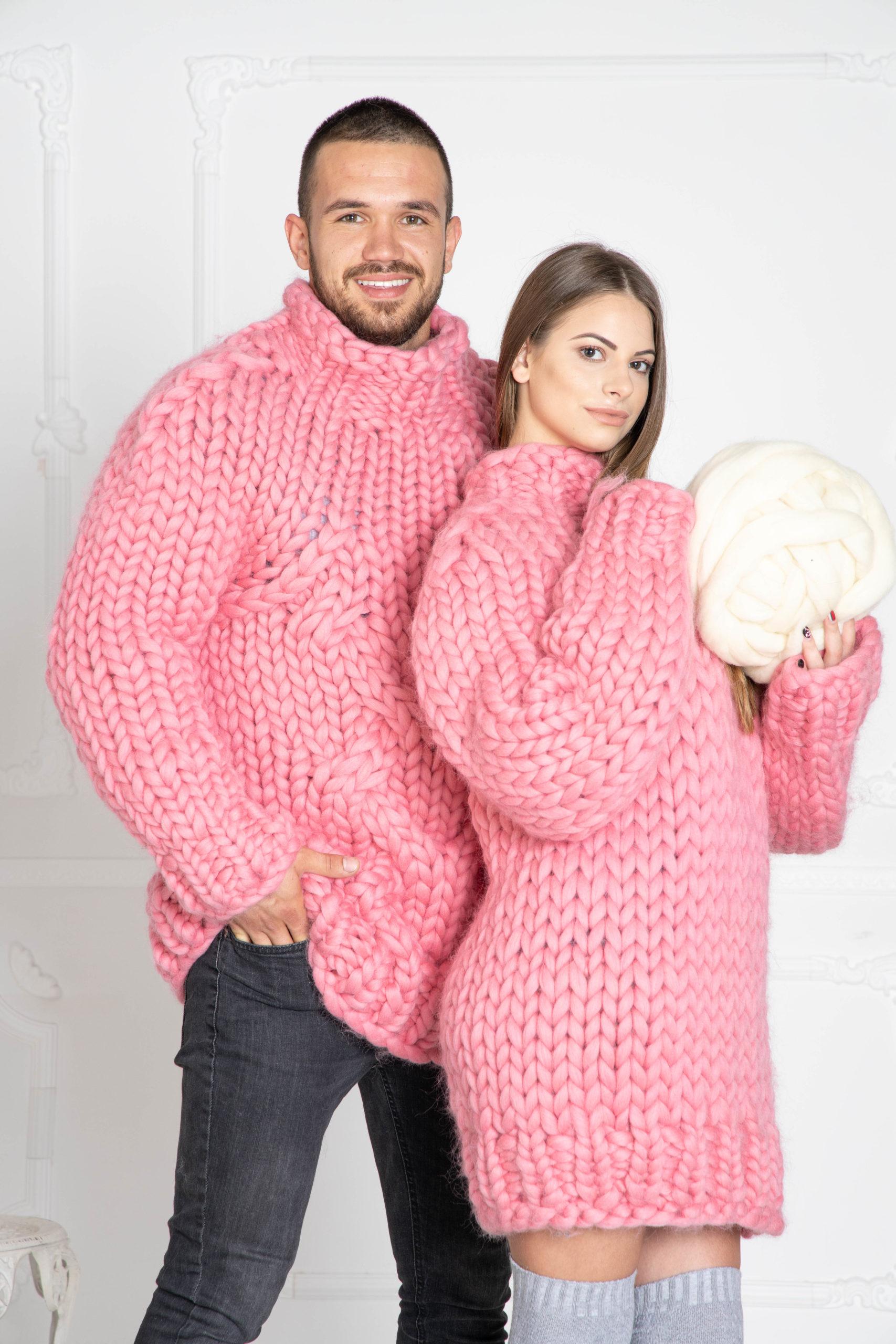 Gestrickte Pullover für Sie und Ihren Verliebten