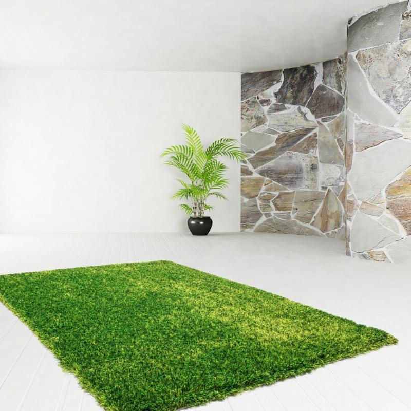 flauschiger Teppich grün