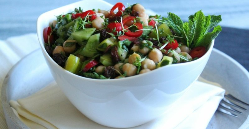 Salat servieren Schüssel