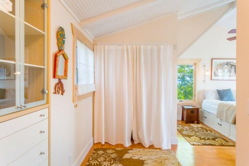 offener Kleiderschrank Sichtschutz Vorhang