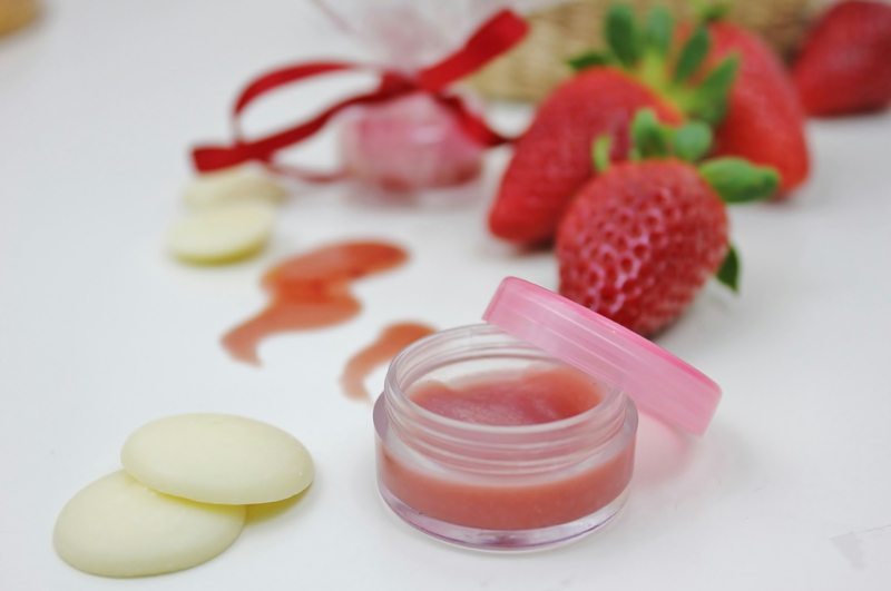 Lipgloss mit Farbe selber machen