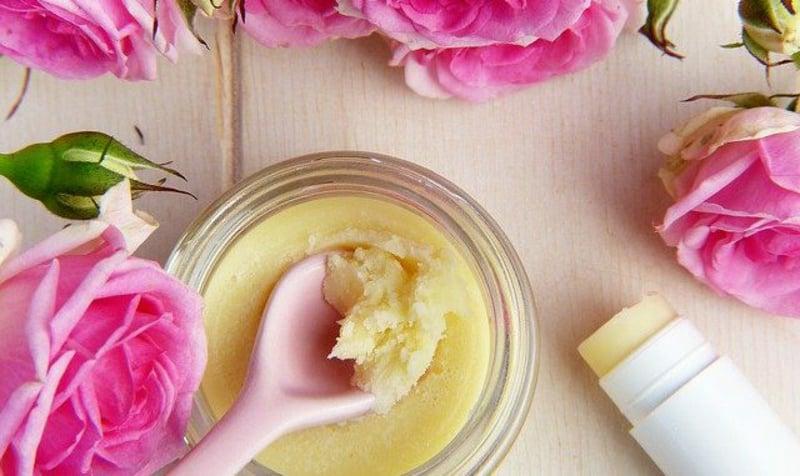 selbstgemachte Lippenpflege Rosenöl