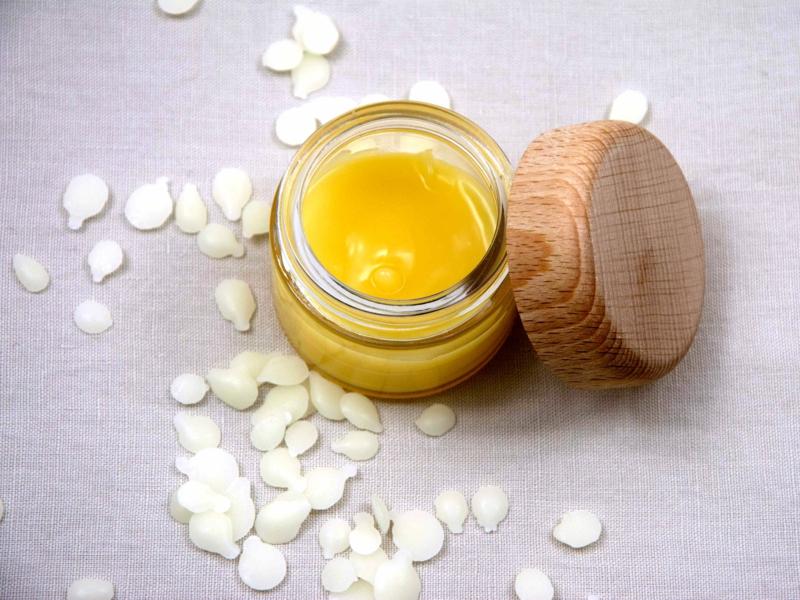 Lippenpflege selbstgemacht mit Bienenwachs