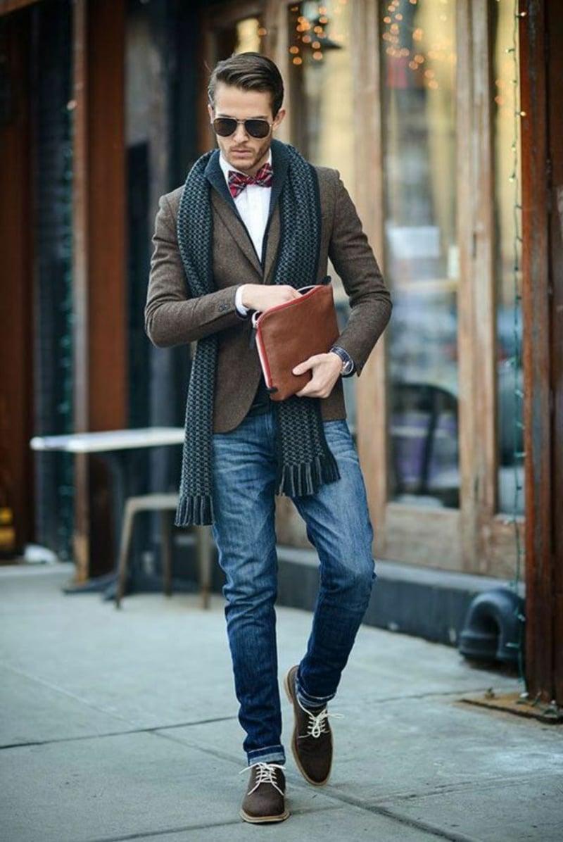 Jeans mit Blazer und Schal