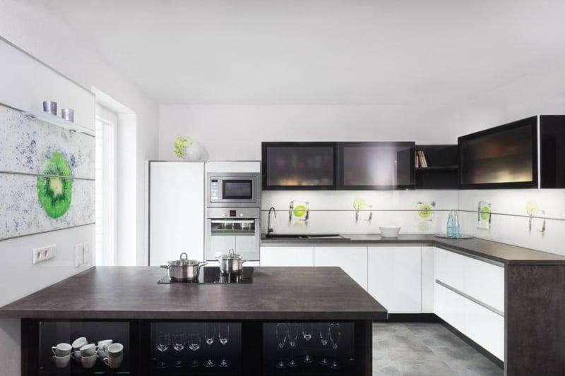 Wandpaneele Küche selber montieren
