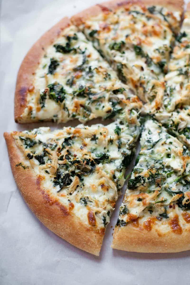 Blattspinat Pizza selber zubereiten