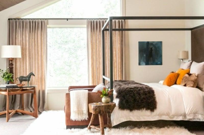 Flokati Teppich Schlafzimmer mit Himmelsbett