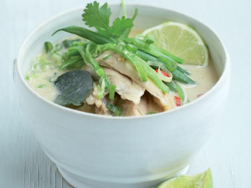 asiatische Suppe mit Hähnchen