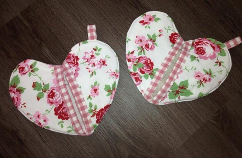 Topflappen Herz Blumenmuster