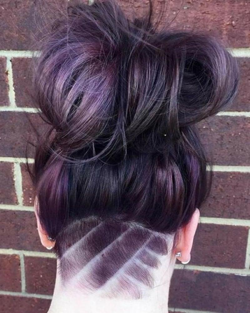 Undercut Nacken Muster Haarfarbe Violett