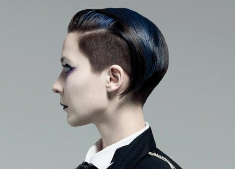 Haare kurz rasieren Frau stilvoller Undercut