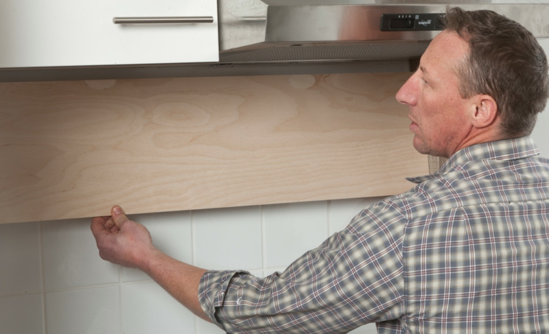 Platten kleben Küchenrückwand