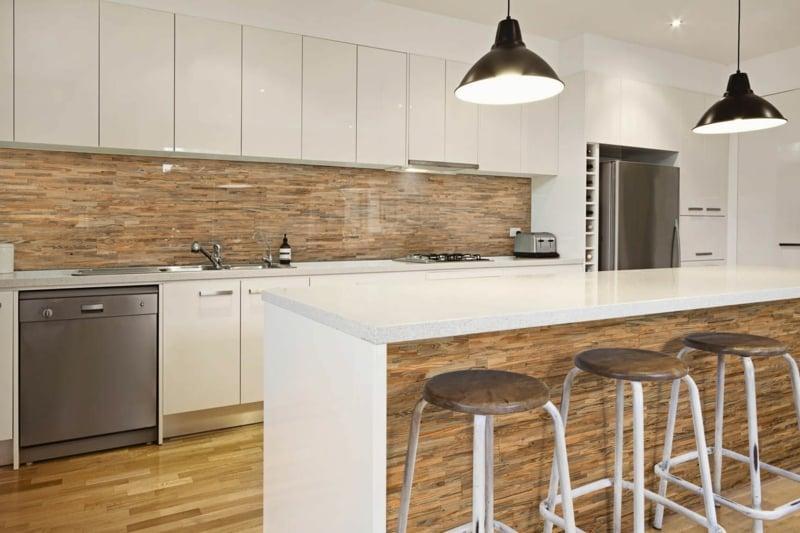 Wandpaneele Küche aus Holz eleganter Look