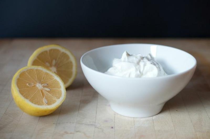 Zitrone und Yoghurt gesunde Haut