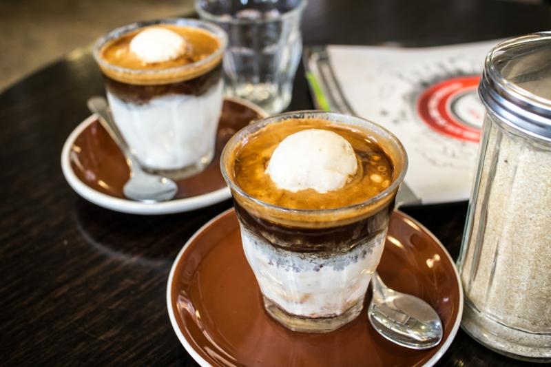 Vanilleeis mit Espresso italienische Desserte