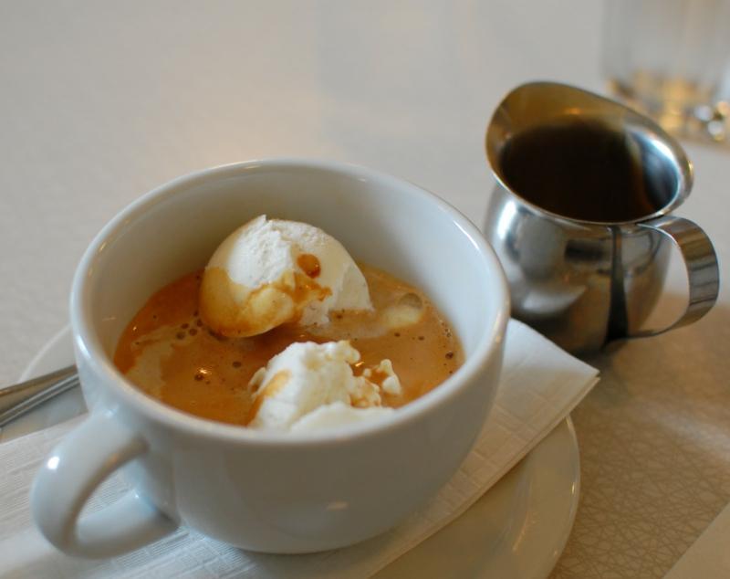 Vanilleeis mit Espresso leichtes Rezept