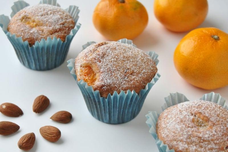 Mandarinen Muffins mit Puderzucker