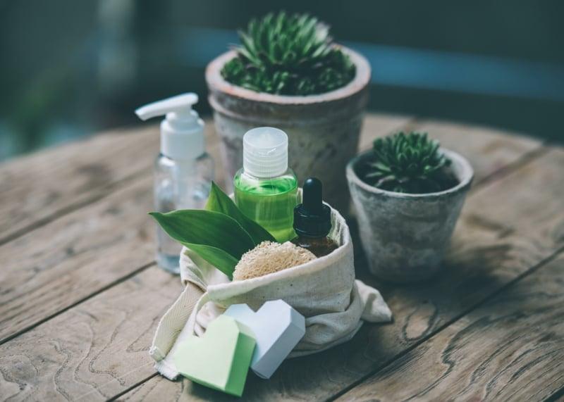 Naturkosmetik gegen unreine Haut Tipps