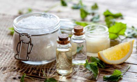 Naturkosmetik gegen unreine Haut bei Akne und Komedonen