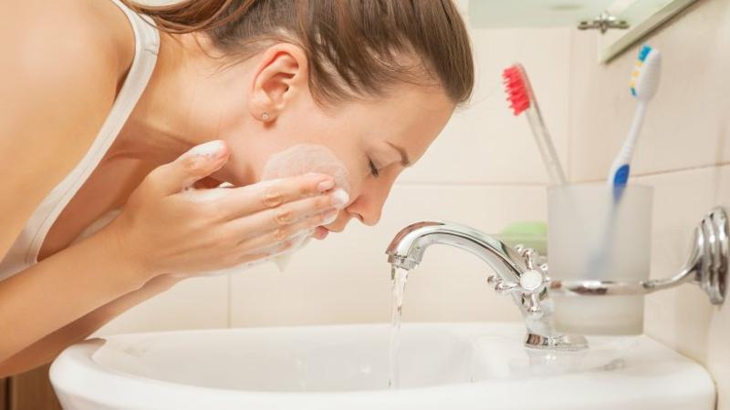Waschgel gegen Pickel und Mitesser